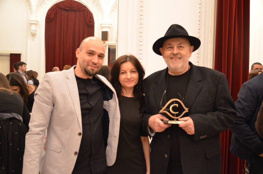 De la stânga la dreapta: Raul Popescu, Adina Dinițoiu și Radu Niciporuc (București, 2017, Premiile Observator cultural, unde Radu Niciporuc a fost răsplătit cu Premiul pentru debut).