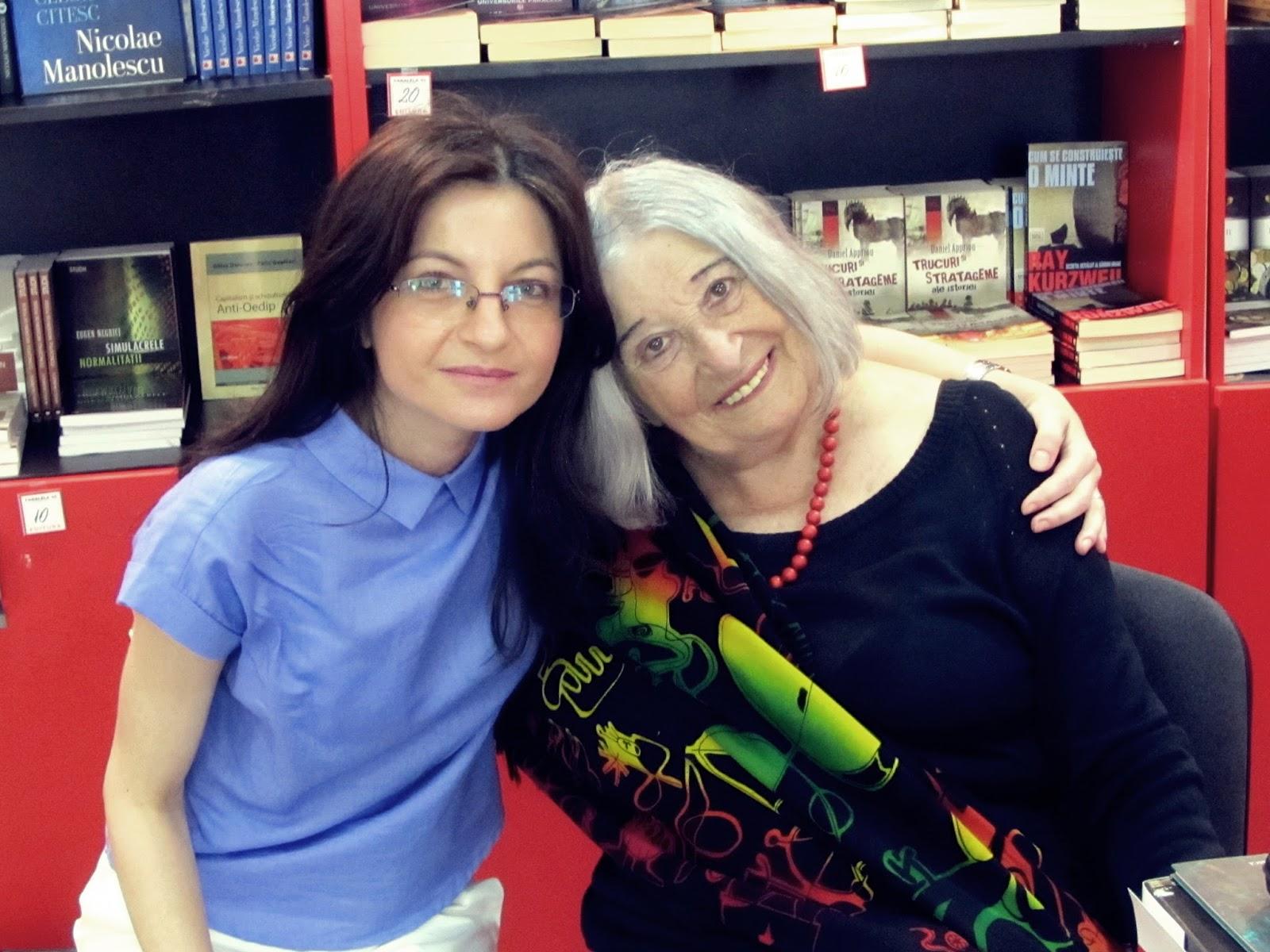 """Nora Iuga și Adina Dinițoiu, la lansarea volumului aniversar """"Nora Iuga. 85""""."""